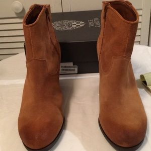 Vince Camuto bootie. NWOT
